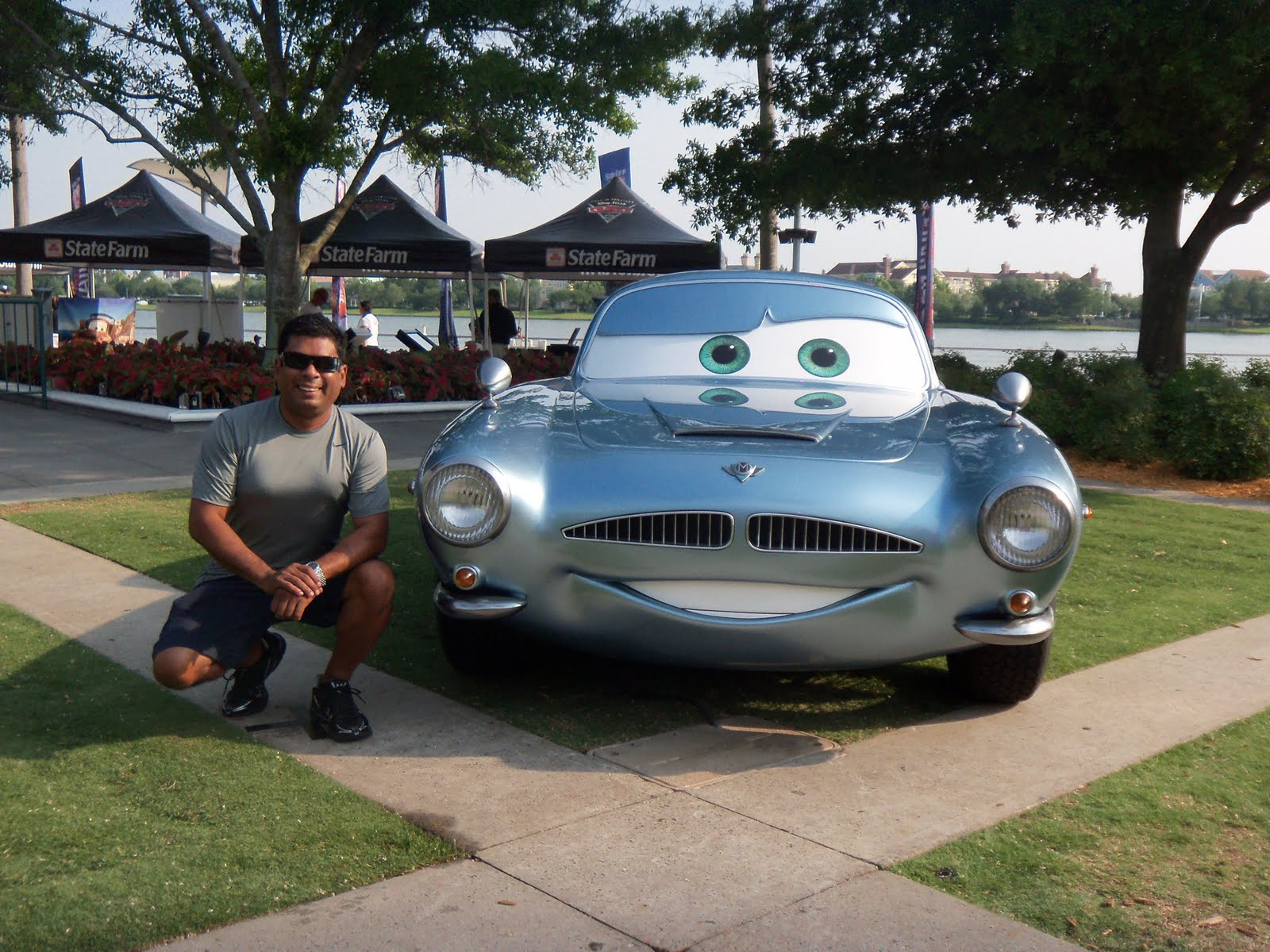 Axel perez blog cars 2 agents on a mission continua su for Motores y vehiculos phoenix