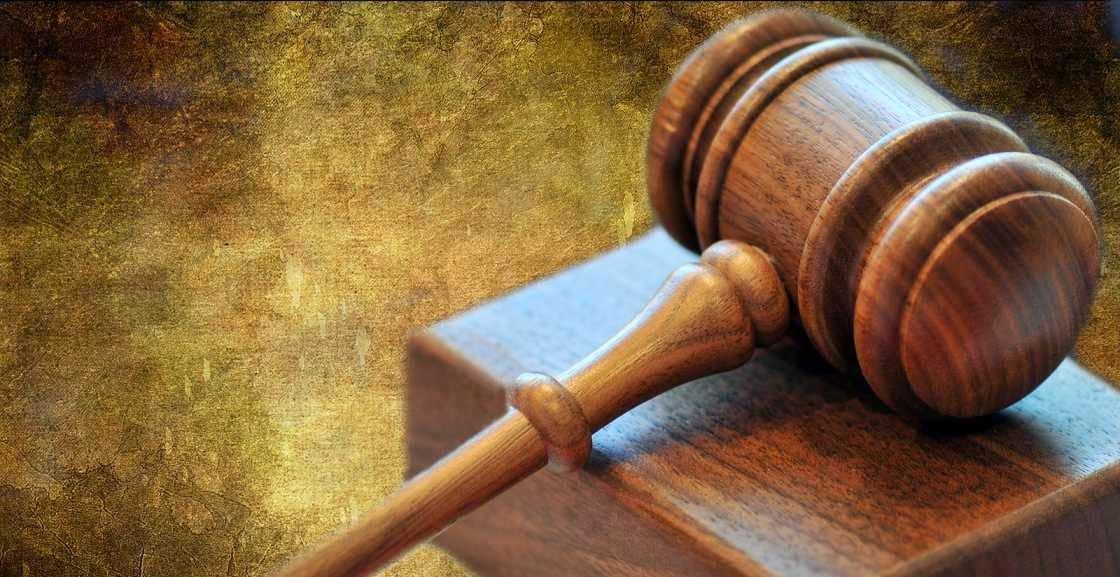 Derecho y cuestion de inconstitucionalidad
