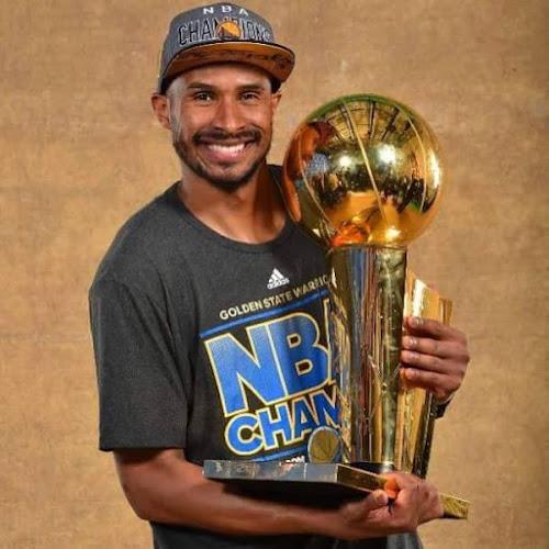 FINAIS DA NBA E TEMOS MAIS UM BRASILEIRO CAMPEÃO DA NBA 2015 PARABÉNS BARBOSA.