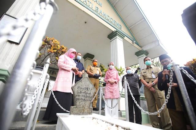Menjelang HJKB ke-210, Oded-Yana Ziarah ke Makam Leluhur Bandung