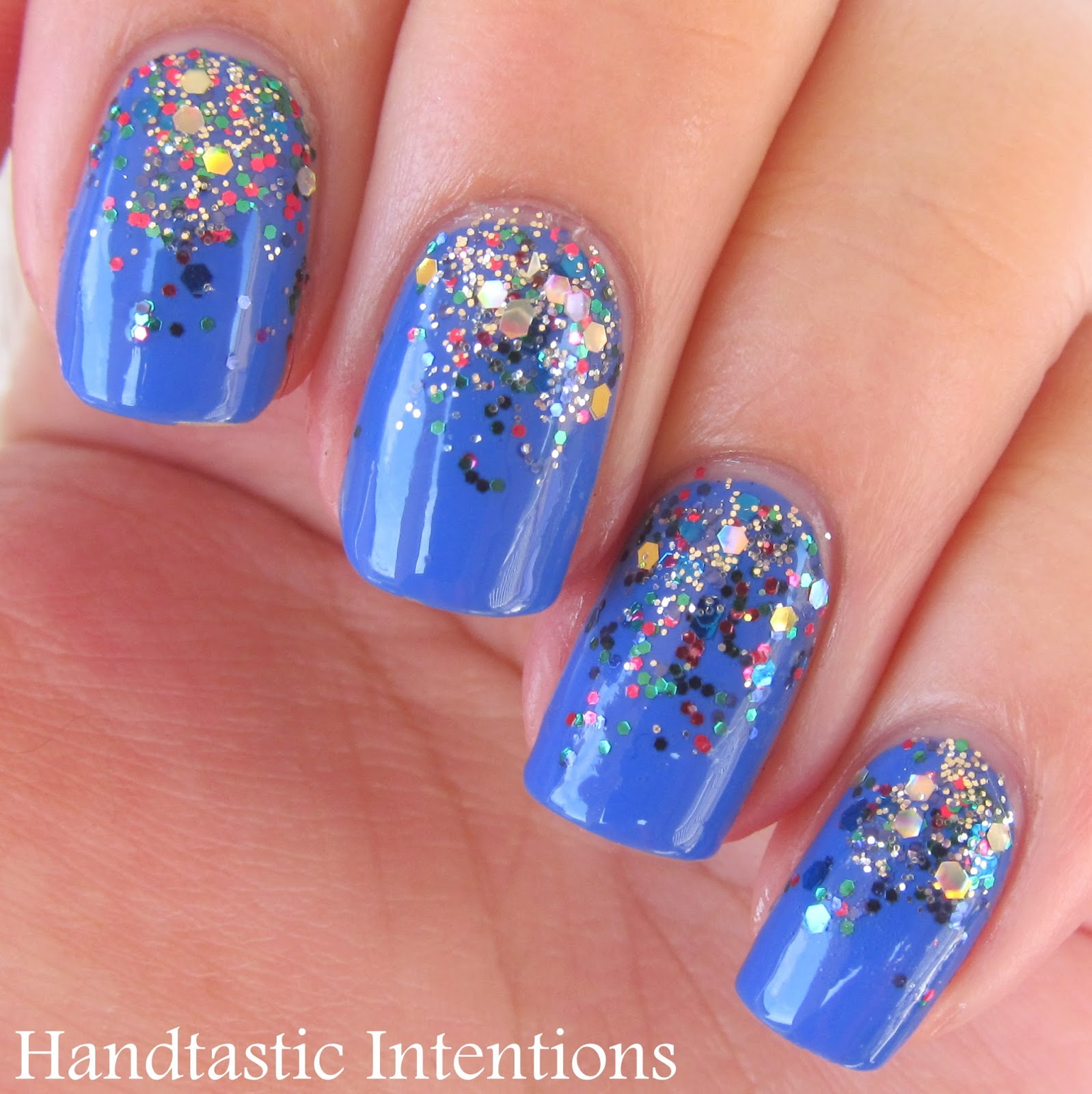 Handtastic Intentions: Nail Art: Pacific Blue Glitter Gradient
