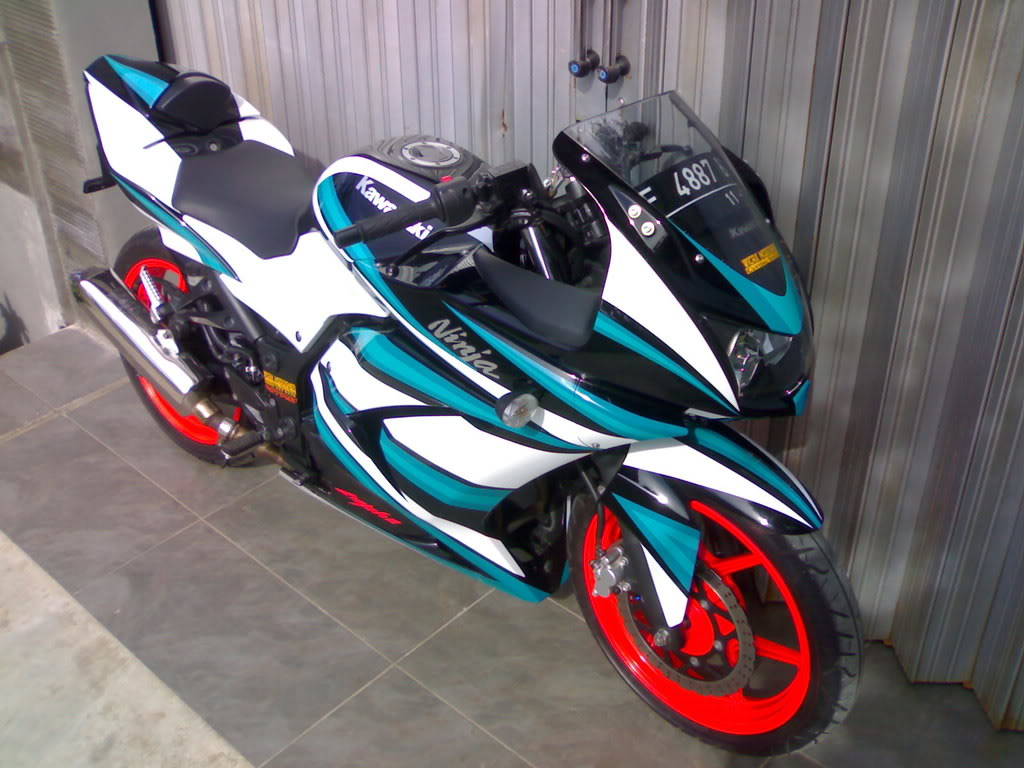 ... 250 Cutting Sticker (Specialist) - Gambar Modifikasi Motor Terbaru