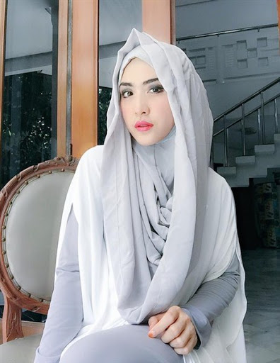 trend model gaya hijab ala april jasmine terbaru 2017/2018