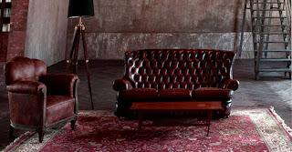 accostamento divano antico