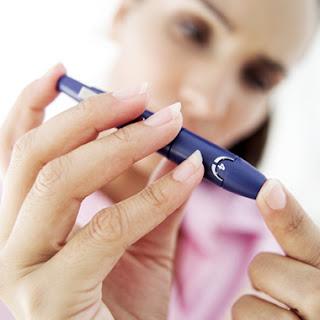 Ibu hamil dengan diabetes mellitus (DM)