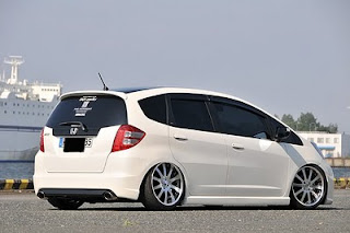 Honda jazz rs white