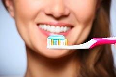 5 Kesalahan Saat Menggosok Gigi