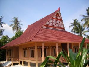 rumah adat maluku rumah adat Baileo rumah tradisional Baileo Gambar Rumah Adat Indonesia