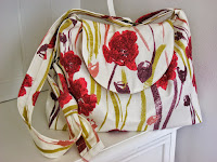 My Web Shop - Poppy adjustable shoulder bag