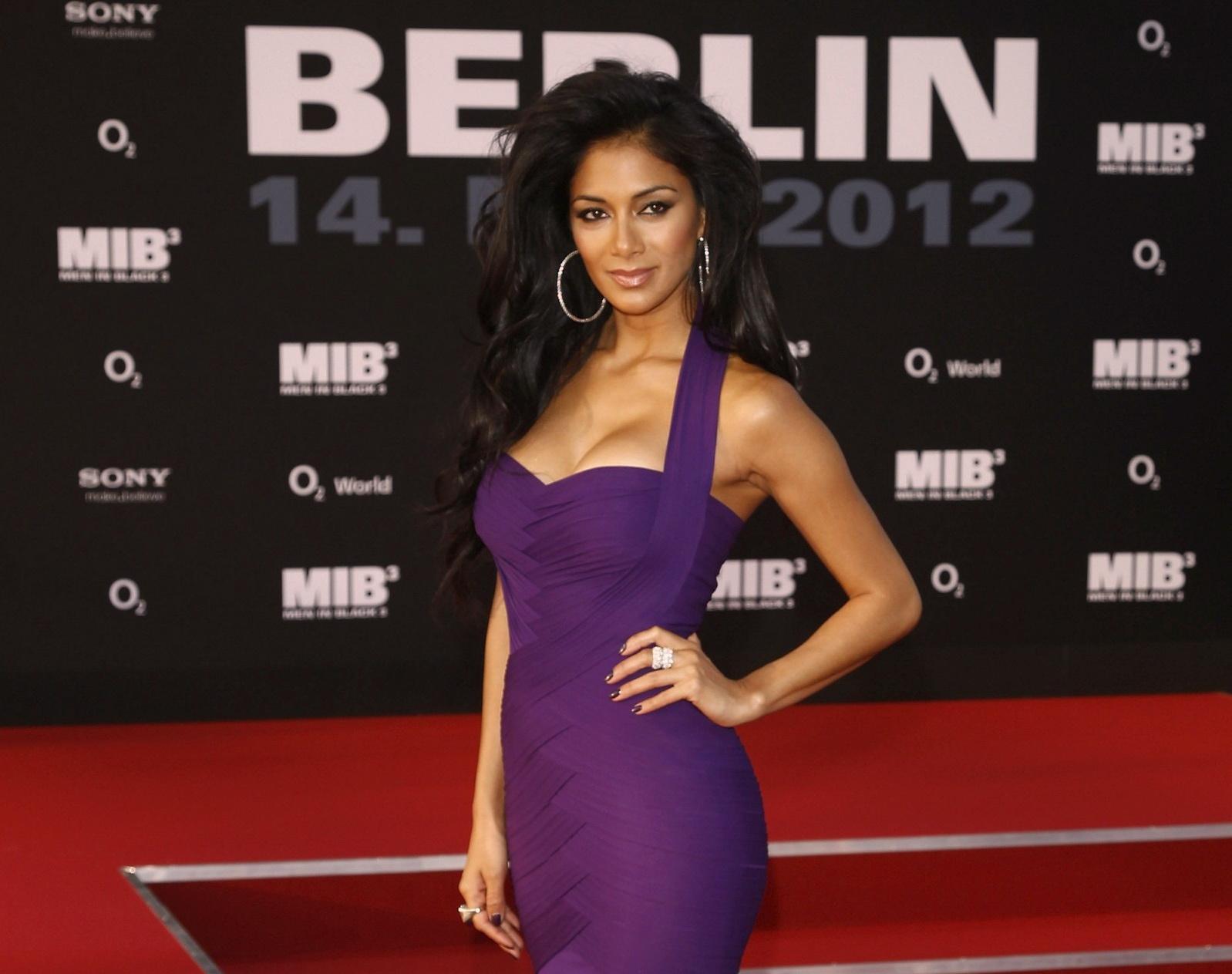 http://1.bp.blogspot.com/-3vnuJlt7qaQ/T7JOG2giVzI/AAAAAAAAFQw/SwGJ-qA7Zjk/s1600/Nicole+Scherzinger-Men+in+Black+3-premiere-Germany-00.jpg