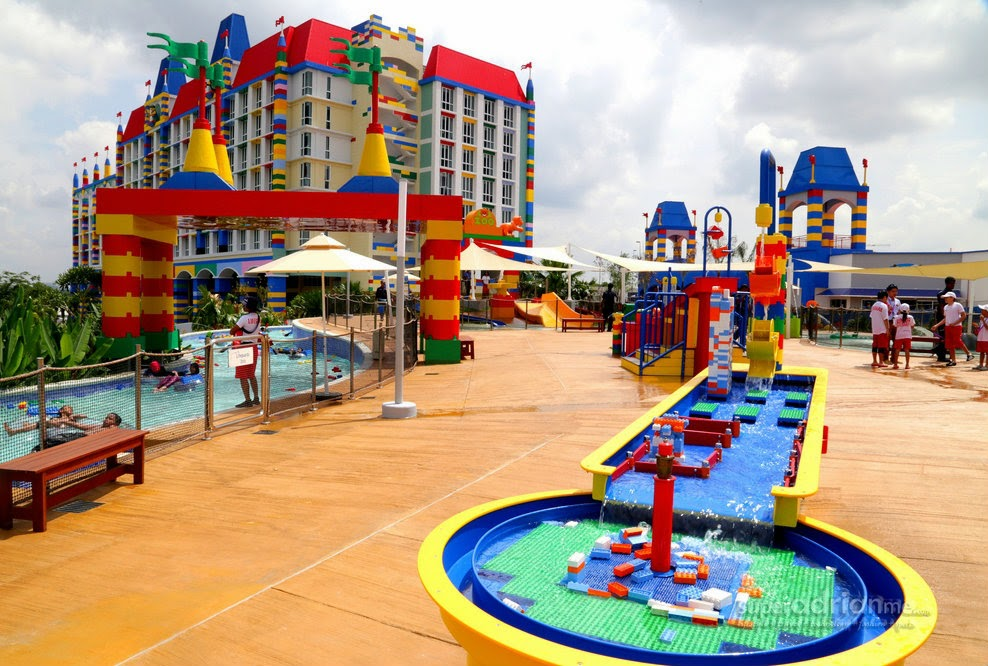 Index in addition Hotel Riu Palace Tenerife likewise University Waterloo Uae 1596 also Legoland Hotel Malaysia furthermore Cottages. on beds for two
