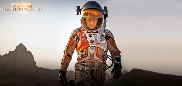 Matt Damon se pierde în peisajul deşertic al planetei Marte în filmul The Martian