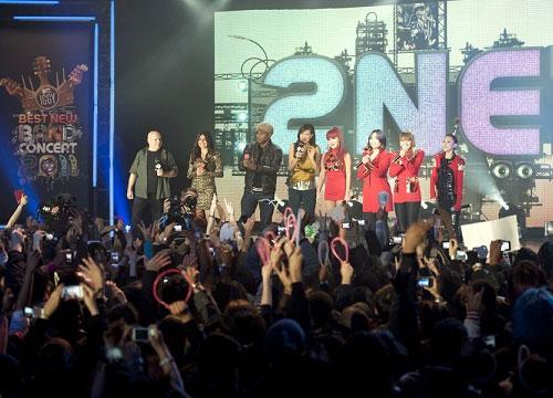 อเมริกา สะเทือนกับ 2NE1 วงอันดับ 1 ของโลก ปี 2554