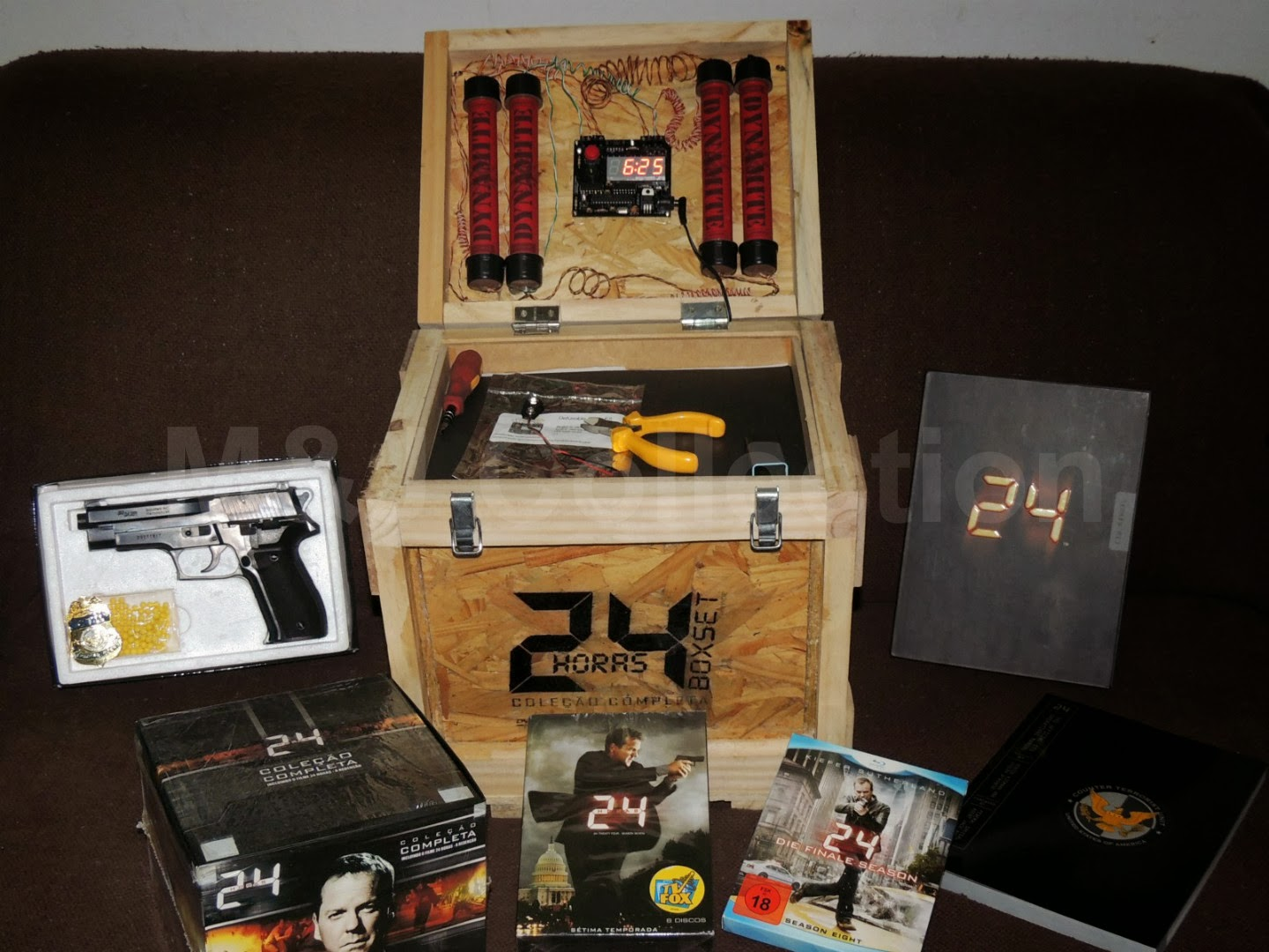 Title 24 The Complete Series Box Set (Fan Edition) Year 2001. Source Edition Brasil Discs Bluray/DVD Features Wodden Box; CTU Operations Manual; ...  sc 1 st  Mu0026Ju0027s Collection - blogger & Mu0026Ju0027s Collection: 24: The Complete Series Box Set (Fan Edition) Aboutintivar.Com