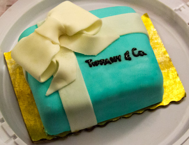 Nikikiu Sweet Kreations, Tiffany and Co fondant cake, Birthday cake, Chocolate cake