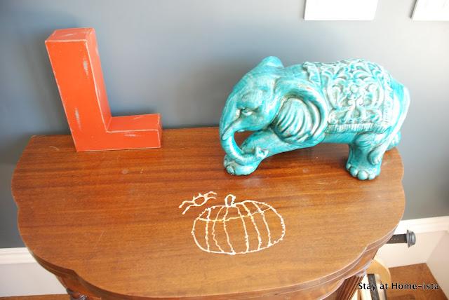 Easy Halloween Craft for Kids- glitter glue pumpkins