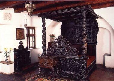 La favola della botte bran il celebre castello di conte for Arredamento stile gotico