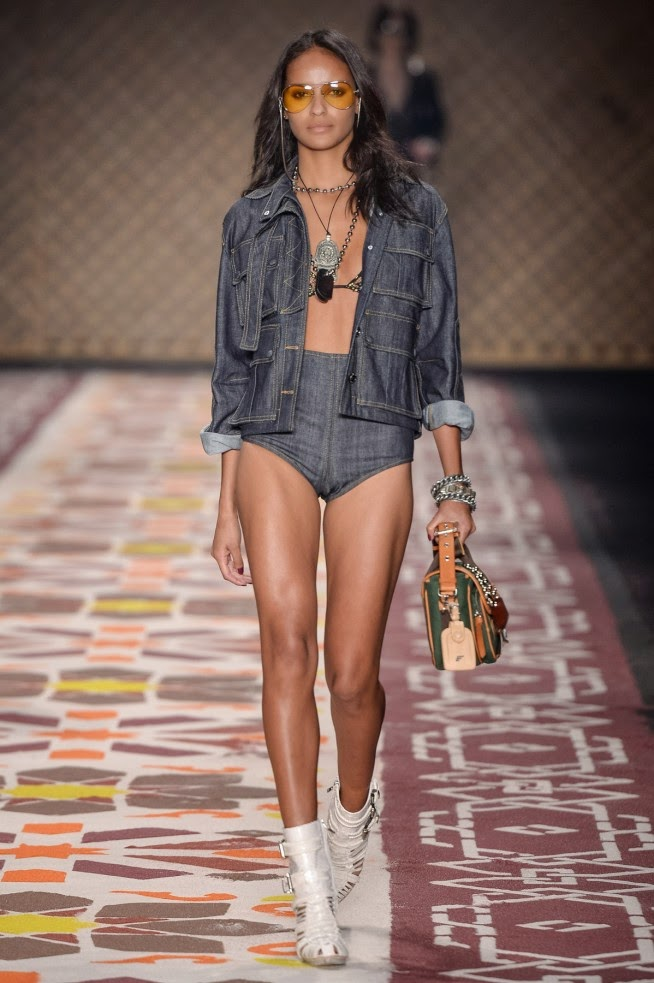 Ellus, Ellus verao, Ellus verao 2016, Ellus ss16, Ellus spring summer, Ellus spring summer 2016, dudessinauxpodiums, du dessin aux podiums, Adriana Bozon, spfw, spfw verao, sao paulo fashion week, fashion blogs, mode a toi, revista de moda, vintage, vintage definition, vintage retro, top fashion, suits online, blog de moda, blog moda, ropa, asos dresses, blogs de moda, dresses, tunique femme, vetements femmes, fashion tops, womens fashions, vetement tendance, fashion dresses, ladies clothes, robes de soiree, robe bustier, robe sexy, sexy dress