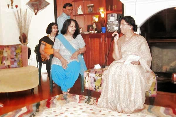 Devi Nangrani, Sudha Om Dhingra, Pravasi, interview, writeup, सुधा ओम ढींगरा, देवी नागरानी