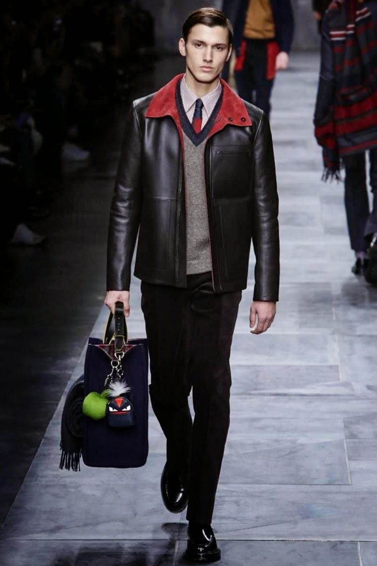 Fendi AW15, Dsquared FW15, Fendi Fall Winter 2015, Fendi Autumn Winter 2015, Fendi, du dessin aux podiums, dudessinauxpodiums, MFW, Pitti Uomo, mode homme, menswear, habits, prêt-à-porter, tendance fashion, blog mode homme, magazine mode homme, site mode homme, conseil mode homme, doudoune homme, veste homme, chemise homme, vintage look, dress to impress, dress for less, boho, unique vintage, alloy clothing, venus clothing, la moda, spring trends, tendance, tendance de mode, blog de mode, fashion blog, blog mode, mode paris, paris mode, fashion news, designer, fashion designer, moda in pelle, ross dress for less, fashion magazines, fashion blogs, mode a toi, revista de moda, vintage, vintage definition, vintage retro, top fashion, suits online, blog de moda, blog moda, ropa, blogs de moda, fashion tops, vetement tendance, fashion week, Milan Fashion Week