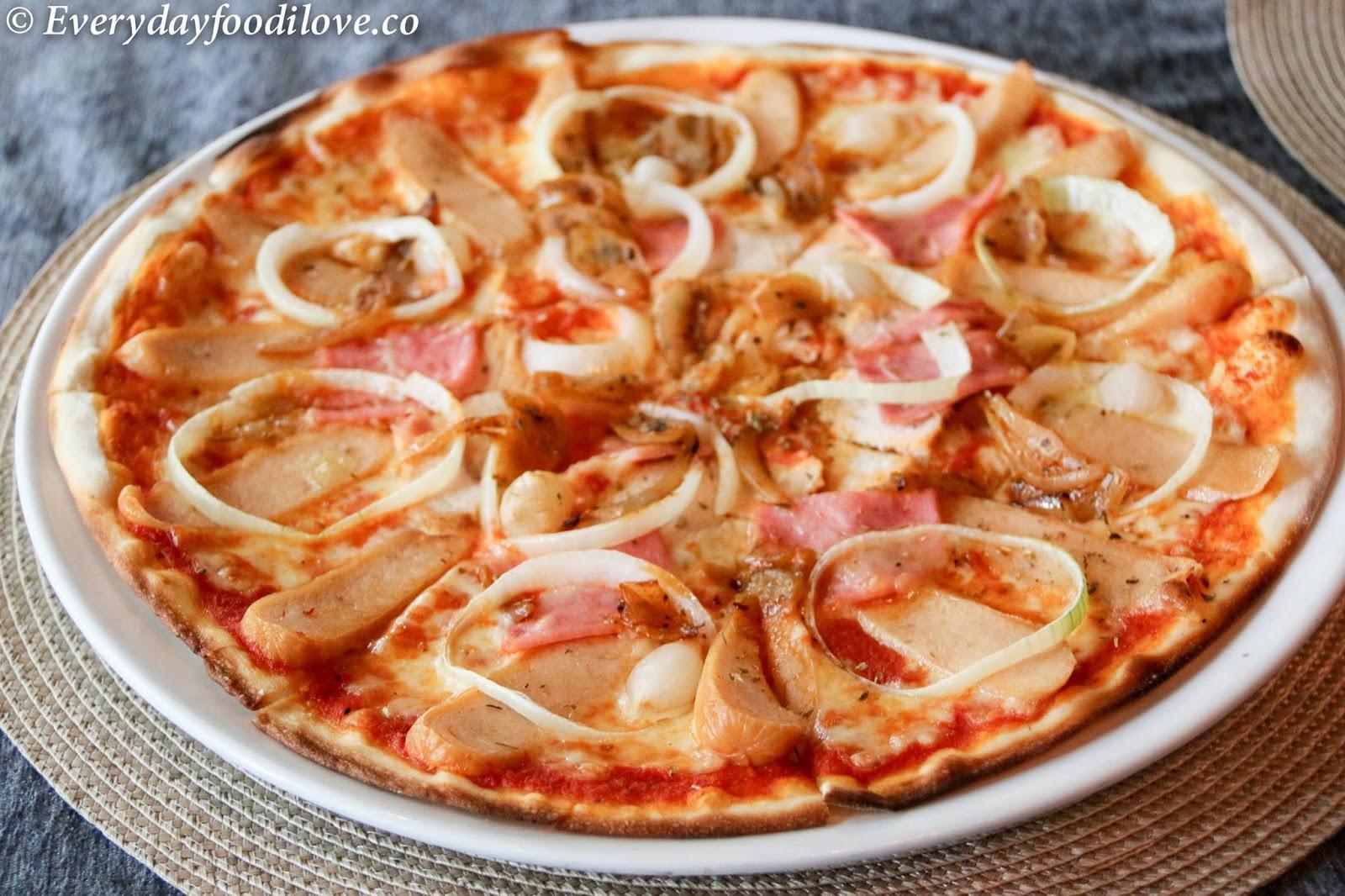 ... onion, onion marmalade, mozzarella, cheddar and emmental cheeses