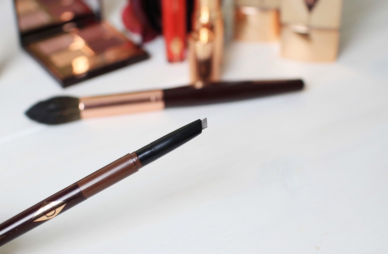 Charlotte Tilbury brow pencil in cara d
