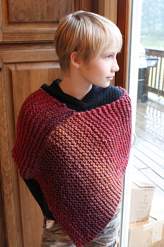 Knitting Pattern For Simple Poncho : My Barefoot Farm: Hand Made Holidays: Easy Knitted Poncho