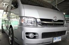 รถตู้ToyotaCommuter2.5D4Dปี2010สีบรอนด์เงิน(1315,000 บาท)
