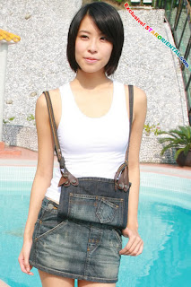 Jolie Chan Hong Kong Sexy Actress Sexy Short Jeans Photo 3