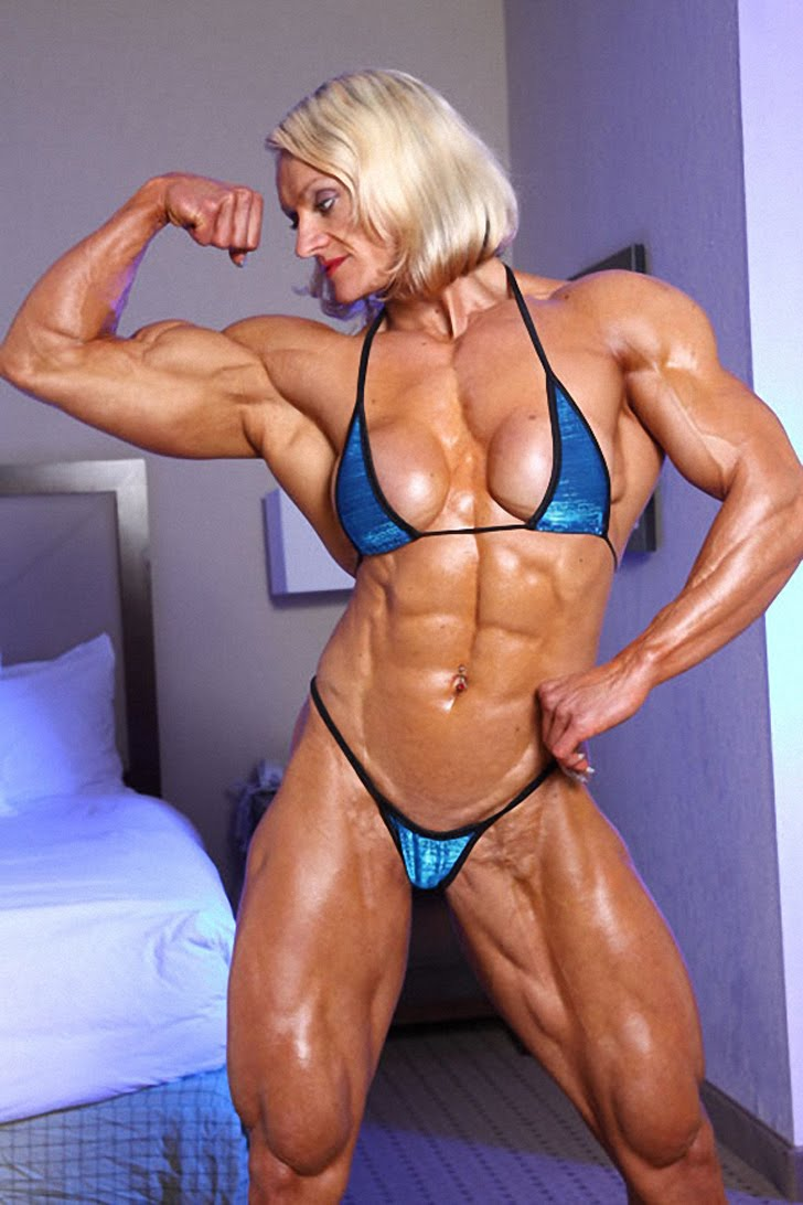 Brigita Brezovac Flexes Her Bicep And Models Her Shredded Muscles