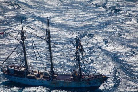 KRI Dewaruci tiba di Fremantle, kecepatan 10 knot perjam