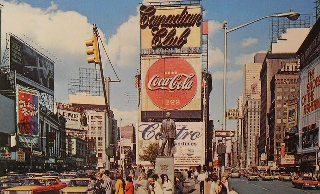 16 Colorful Photos Of Times Square New York In The 1960s