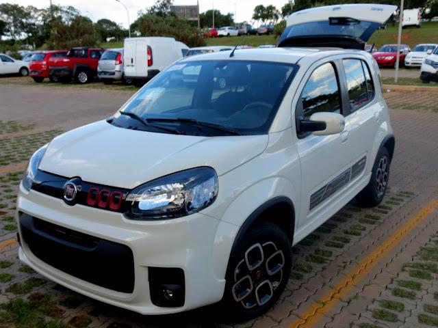 Fiat Uno Sporting Dualogic 2016