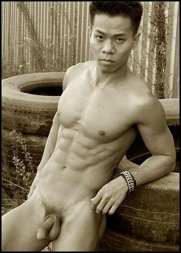 uomini asiatici nudi annunci gay toscana