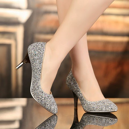 Charming Lady's Silver Sequins Beak Prom/Wedding Shoes