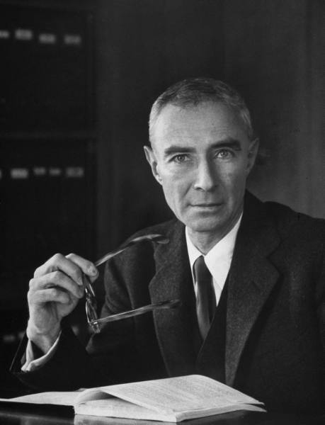 a look at the invention of the atomic bomb and the role of julius robert oppenheimer This memorial day we look back at six scientists who regret their greatest inventions j robert oppenheimer invention: the atomic bomb  julius robert.