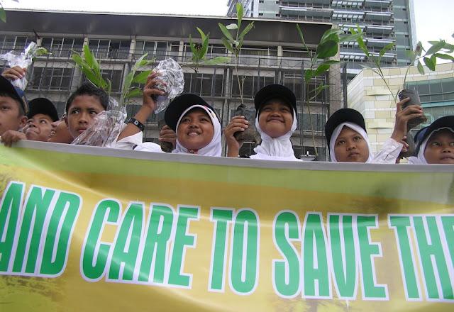 Pelajar se-Lombok Barat Bentuk Green Student
