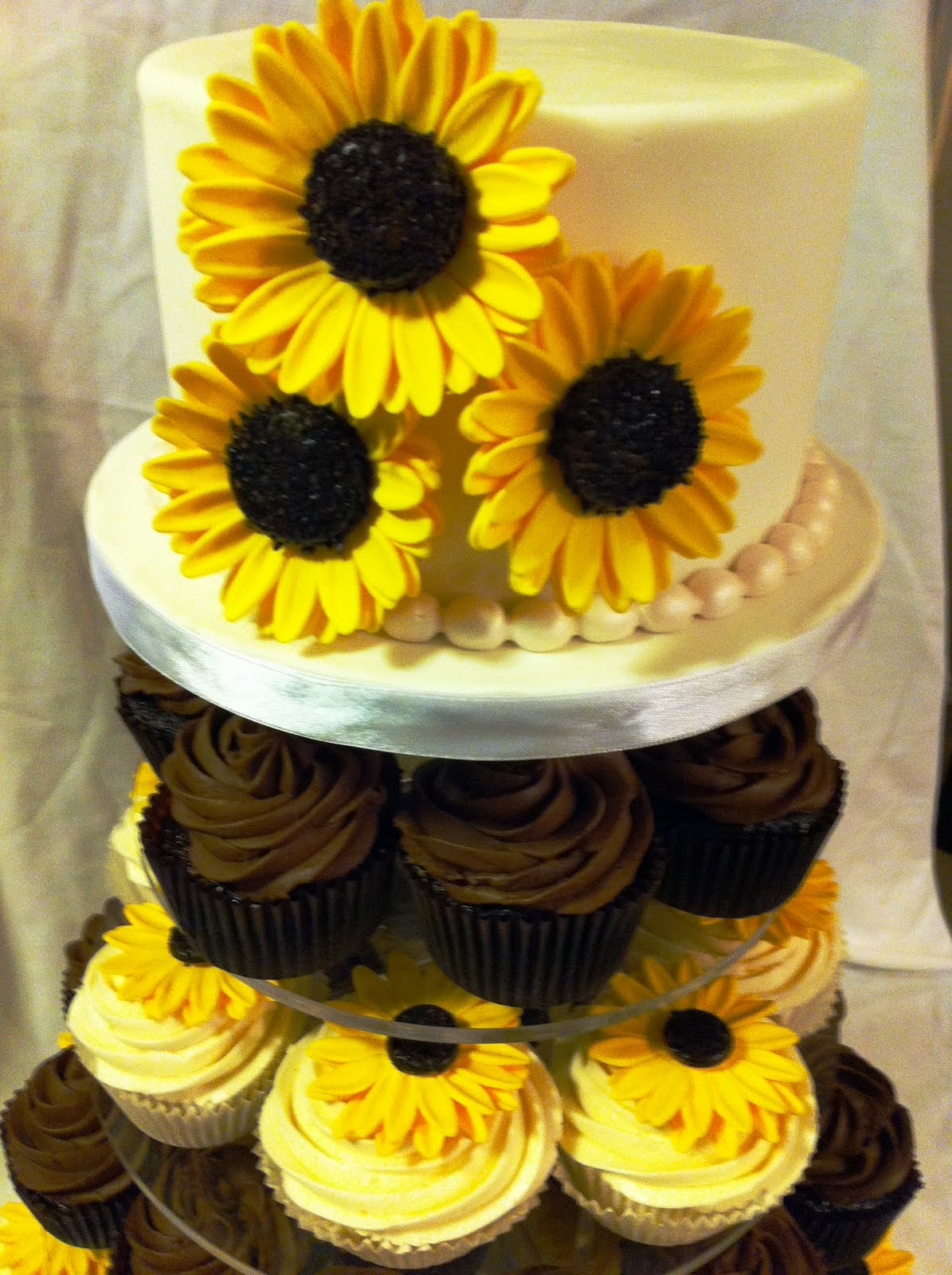 Easy Sunflower Cupcakes