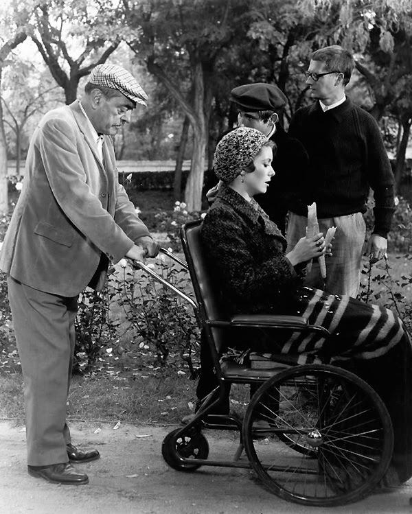 Luis Buñuel dirigiendo a Catherine Deneuve en Tristana