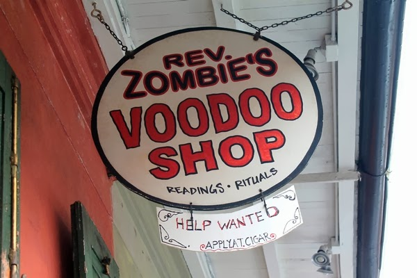 Une bee disneyworld travailler walt disney world usa for Jardin gris voodoo shop conyers