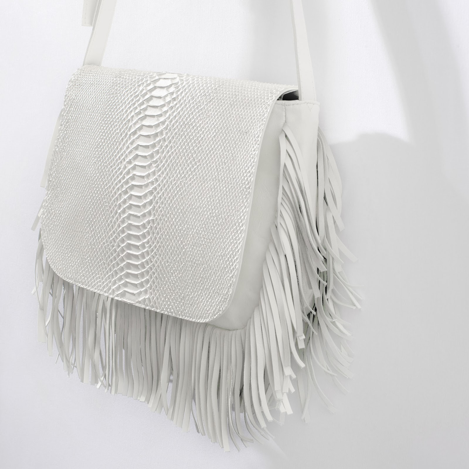 zara white handbag