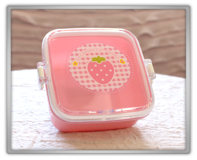 Daiso Super Cute Strawberry Goodies Haul bento bag lunch tissue box holder cover microwave candy case 2