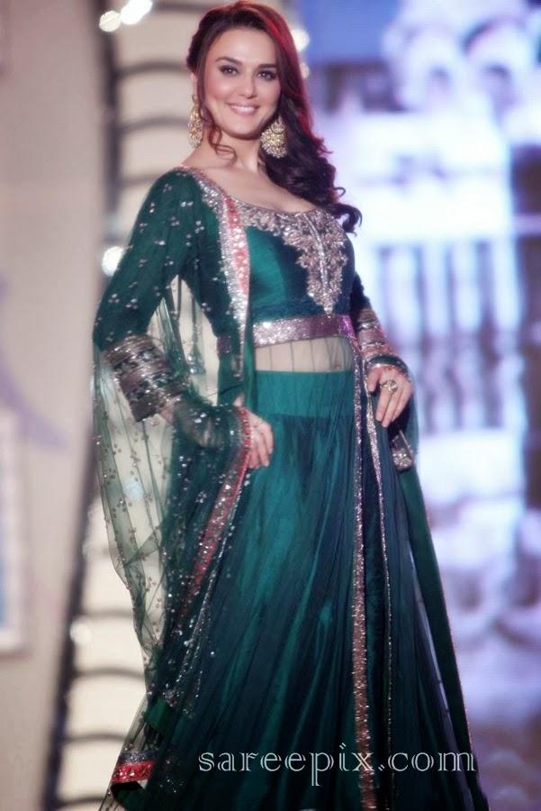 http://1.bp.blogspot.com/-4-0yQl42Zdw/UvPoCV6YdZI/AAAAAAAAW50/ql9LS_xq82U/s1600/Preity-zinta-lehenga-ramp-walk-Manish-malhotra-fashion-show.jpg