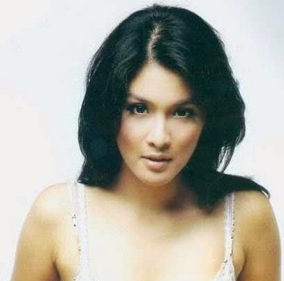 Sandra Dewi hot pictures