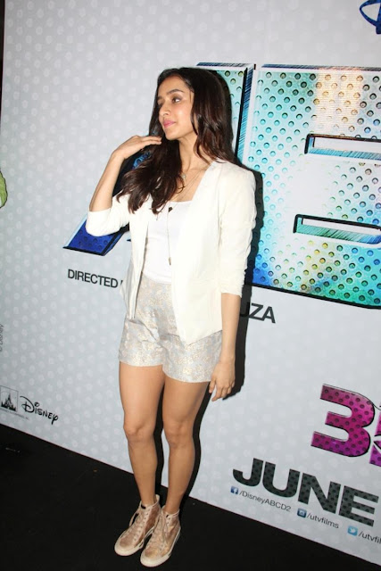 Shraddha Kapoor Display Her Toned Sexy Legs At Film 'ABCD 2′ Trailer Launch