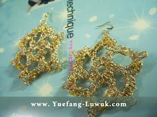 Wire_crochet_earrings_bunga_Kamboja