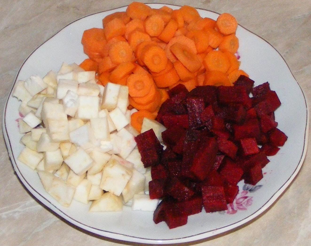 legume proaspete, legume pentru suc, legume pentru suc la blender, preparare suc de legume la blender, morcov pentru suc, telina pentru suc, sfecla rosie pentru suc, reteta suc la blender, reteta suc la blender,
