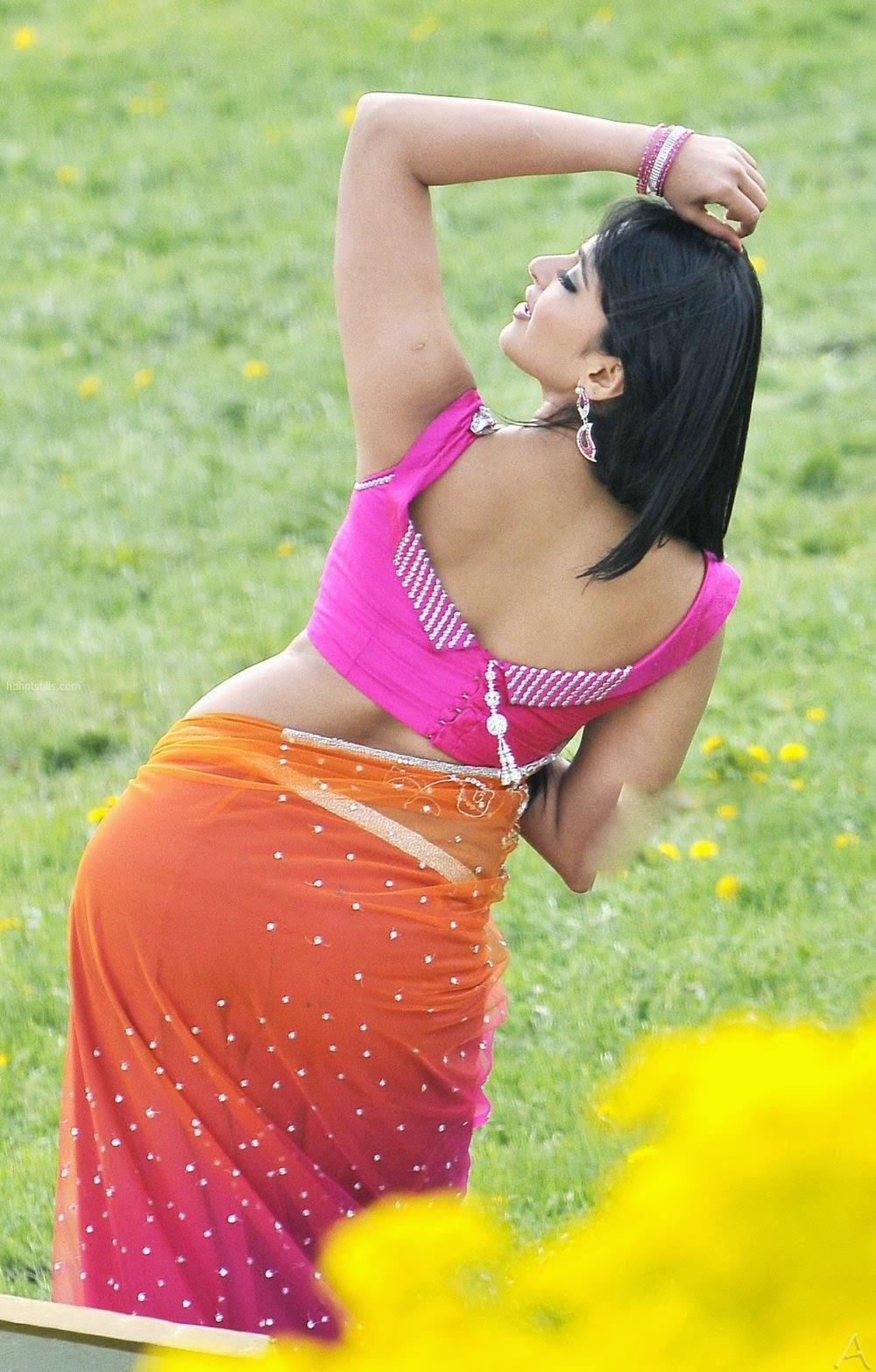 anushka shetty back photos