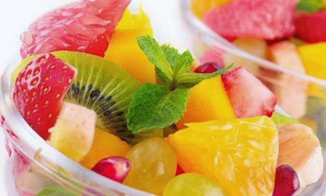 buah-buahan berwarna-warni
