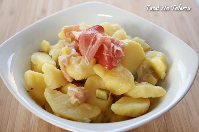 Kartoffelsalat czyli sałatka ziemniaczana
